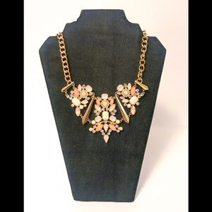 NWT New York & Company Pink & Gold Necklace